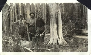 A successful hunt near Thunder Mountain - Photo courtesy of the University of Idaho Digital Archives